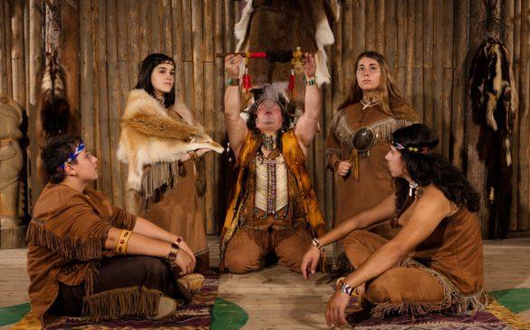 site-traditionnel-huron-wendat-onhoüa-chetek8e-wendake-quebec-le-mag
