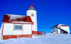 le-phare-ile-verte-bas-saint-laurent-phare-hiver-quebec-le-mag