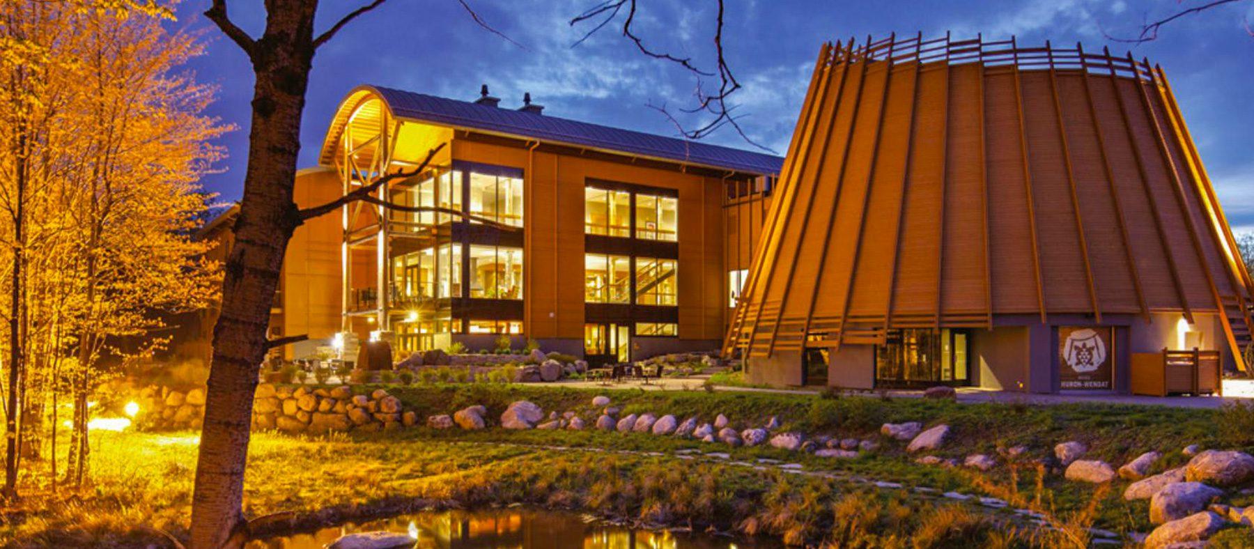 vivre-le-quebec-autochtone-observation-de-la-faune-hotel-musee-premieres-nations-quebec-le-mag