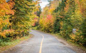 parc-national-mont-tremblant-route-automne-quebec-le-mag