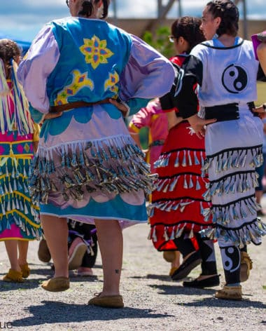 lieu-historique-national-de-fort-temiscamingue-danse-autochtone-quebec-le-mag