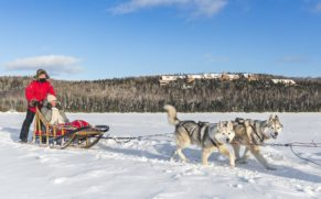 hotel-sacacomie-mauricie-traineau-a-chien-quebec-le-mag