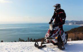 manoir-richelieu-hiver-motoneige-neige-quebec-le-mag