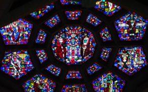 sanctuaire-notre-dame-du-cap-trois-rivieres-rosaces-quebec-le-mag