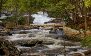 parc-de-la-riviere-bastican-cascade-quebec-le-mag