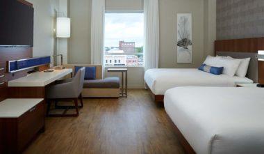 hotel-delta-trois-rivieres-chambre-double-quenn-quebec-le-mag