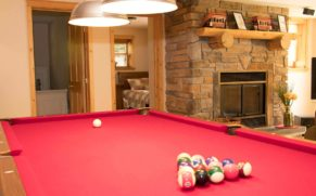 chalet-fiddler-lake-resort-laurentides-billard-quebec-le-mag