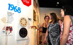 exposition-attache-ta-tuque-musee-pop-quebec-le-mag