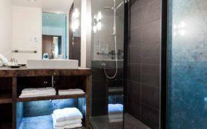 auberge-sutton-brouerie-salle-de-bain-quebec-le-mag