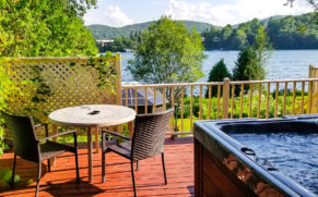 auberge-aux-nuits-de-reves-laurentides-terrasse-suite-james-bond-quebec-le-mag