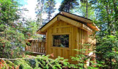 cabane-ete-refuges-perches-mont-tremblant-quebec-le-mag