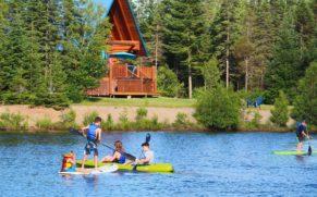 kayak-au-chalet-en-bois-rond-portneuf-quebec-le-mag