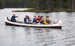 okwari-aventure-rabaska-activites-ete-saguenay-lac-saint-jean-quebec-le-mag