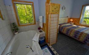 chalet-salle-de-bain-domaine-des-dunes-tadoussac-quebec-le-mag