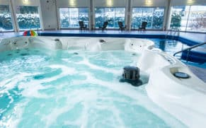 hotel-vacances-tremblant-laurentides-centre-aquatique-quebec-le-mag
