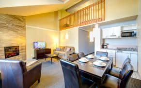 hotel-vacances-tremblant-laurentides-mezzanine-quebec-le-mag