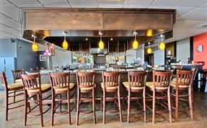 bistrot-bar-hotel-chateau-roberval-saguenay-lac-saint-jean-quebec-le-mag