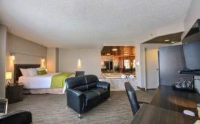 chambre-avec-bain-a-remous-hotel-du-jardin