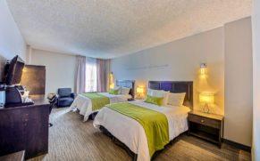 chambre-deux-lits-doubles-hotel-du-jardin-saguenay-lac-saint-jean-quebec-le-mag