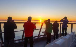 coucher-de-soleil-relais-nordik-basse-cote-nord-bella-desgagnes-quebec-le-mag