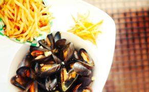 cuisine-moule-frite-auberge-eva-lac-bouchette-saguenay-lac-saint-jean-quebec-le-mag
