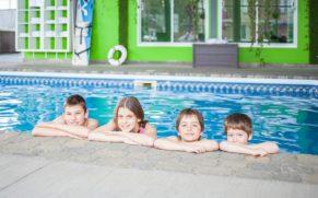 piscine-enfants-selectotel-amqui-quebec-le-mag